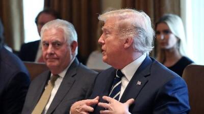 """Tillerson dice que Trump es """"indisciplinado"""" y desconoce leyes o tratados, y el presidente lo insulta desde Twitter"""