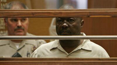 """Sentencian a muerte al asesino serial de mujeres conocido como """"Grim Sleeper"""""""