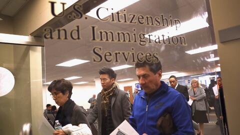 Personas con limitaciones físicas, emocionales o mentales tendrían que presentar examen de ciudadanía en inglés