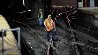 Retrasos, cambio de rutas y molestias en Penn Station por descarrilamiento de un tren