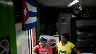 Con la puerta de EEUU cerrada, así es la vida de los cubanos en la Pequeña Habana de Quito