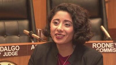 """""""Hay que entender, la gente tiene derecho a opinar"""": Lina Hidalgo tras las críticas de un comisionado de Texas"""