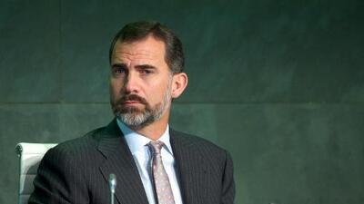 Rey de España cede el trono a su hijo Felipe