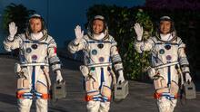 Así entraron los tripulantes de la nave espacial Shenzhou-12 la estación espacial de China
