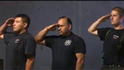 Bomberos del norte de California recordaron a víctimas del 9/11 en el centro de Sacramento