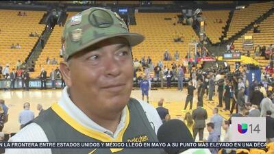 Aficionados llegan a Oakland para apoyar a los Warriors