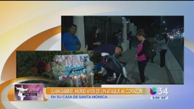 Restos de Juan Gabriel permanecen en una funeraria cerca del LAX