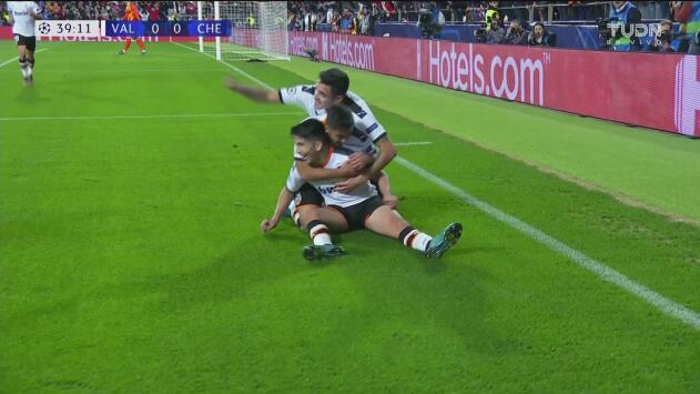 ¡La tercera es la vencida! Carlos Soler abrió el juego y puso arriba al Valencia