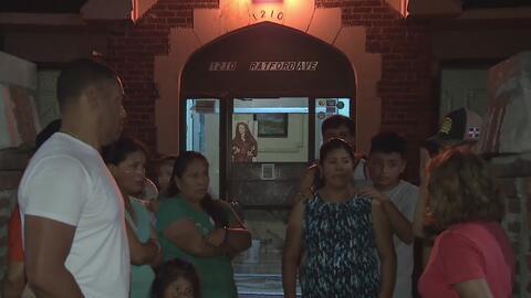 Habitantes de un edificio de El Bronx planean boicot contra su casero por numerosos problemas en la estructura