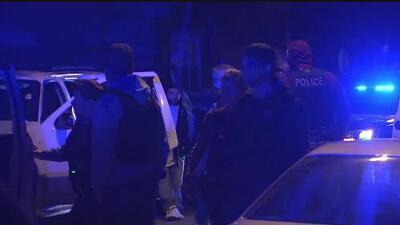 El Departamento de Policía de Chicago investiga una balacera en el vecindario de Las Empacadoras