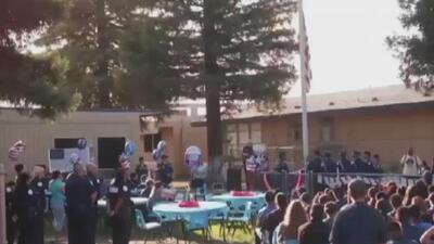 """""""Nos juntamos para saber lo que pasó"""", estudiantes de Fresno conmemoran el 9/11"""