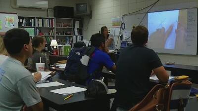 La Casa Blanca quería negar la educación en escuelas públicas a estudiantes indocumentados, según un reporte