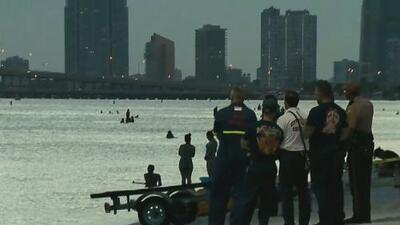 Autoridades confirman el hallazgo de un turista sin vida que desapareció cuando surfeaba en Hobie Beach