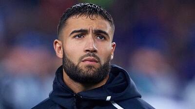 ¿Cómo le afecta a Diego Lainez la llegada de Nabil Fekir al Betis?