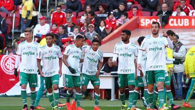 Palmeiras ganó al Internacional y se consolidó en el liderato en Brasil