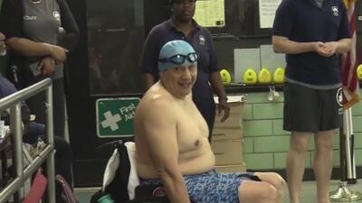 Ecuatoriano logra ganar en categoría de natación en Brooklyn a pesar de no tener una pierna