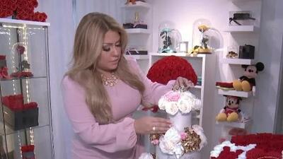 Conoce a la creadora de las flores preservadas que han enamorado a famosas como Thalía, Karol G y Lili Estefan