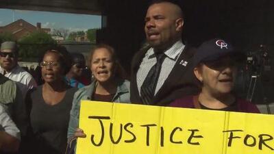 Padres de 'Junior' y la comunidad se muestran satisfechos por el veredicto de culpables contra cinco acusados del crimen