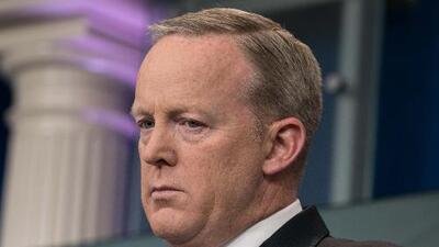 El fiscal del Rusiagate interroga a Sean Spicer sobre lo que vio en la Casa Blanca de Trump