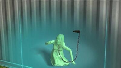 Hallan a mujer encerrada en un contenedor con una cadena al cuello en Carolina del Sur
