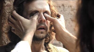 Jesús le regresó la vista a Uriel tocando sus ojos