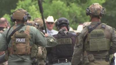 Esto es lo que se sabe sobre el tiroteo que dejó una mujer muerta y tres personas heridas en Cleveland, Texas