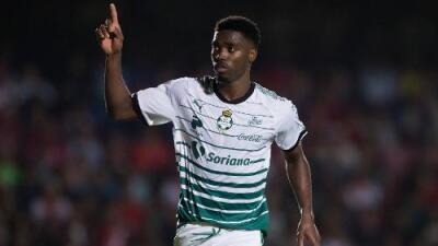 Djaniny Tavares busca ser el primer africano campeón de goleo en la Liga MX