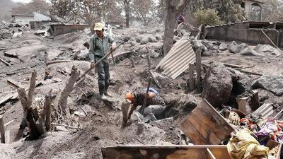 Legisladores locales piden ayuda para las víctimas del volcán de Fuego en Guatemala