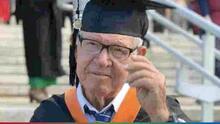 A los 78 años, anciano cumplió su sueño y se graduó de Ingeniería Industrial