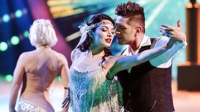 Seductor y poderoso, El Dasa encanta en la pista bailando este tango junto a dos bellezas