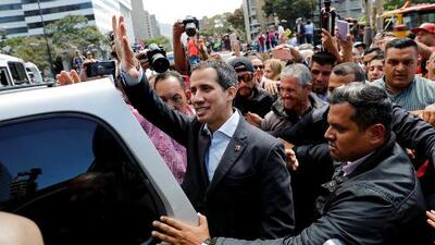 Mientras Maduro anuncia más cierres fronterizos, Guaidó emprende una caravana por la ayuda humanitaria y la tensión escala