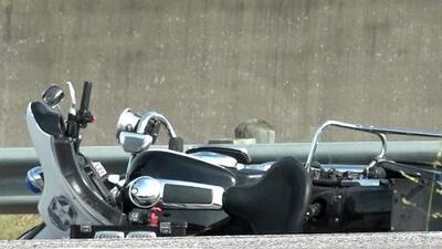Muere un oficial tras ser arrollado mientras detenía el tráfico para que pasara la caravana de un funeral