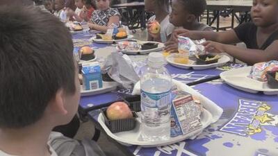 Reconocen el esfuerzo del Distrito Escolar de Dallas para dar alimento a los niños con necesidades económicas