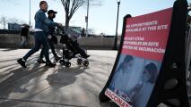 Nueva York comienza a cerrar centros de vacunación masiva contra el coronavirus y esto es lo que debes saber
