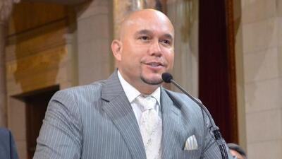 ¡Nuevo conflicto!  Gustavo Rivera y Lupillo se pelean por Pitbull