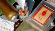 Encuentran tarjetas autografiadas por Babe Ruth