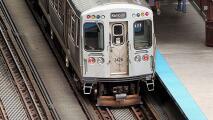 Apuñalan a un hombre mientras viajaba en un tren de la línea roja de la CTA: lo que se sabe del caso
