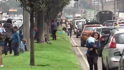 Niños venezolanos pidiendo limosna en Colombia: el doloroso negocio del hambre