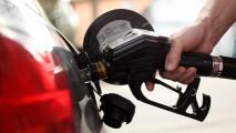 ¿A qué puede deberse el aumento en los precios de la gasolina en el sur de California?