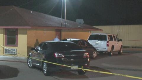 Investigan la muerte de un hombre tras recibir varios impactos de bala en un hotel en Houston