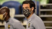 Carlos Vela sigue en duda para El Trafico ante Chicharito