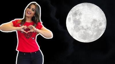 Así disfrutó Clarissa Molina la luna azul de la noche de Pascua