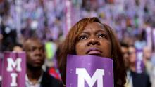 La sombra del racismo que persiguió a Obama, la sombra del machismo que persigue a Clinton