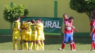 Guastatoya 3-0 Xelajú: Guastatoya dio el primer paso rumbo a la final tras golear a Xelajú