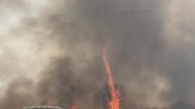 Remolino de fuego altera a una comunidad de Missouri