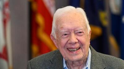 """El expresidente Carter cree que fue un """"serio error"""" la reacción de Trump a la muerte de John McCain"""