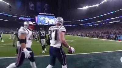 Mala noticia para los Eagles: Rob Gronkowski aparece en el partido y los Patriots se acercan