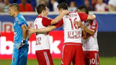 Sporting Kansas City y New York Red Bulls en busca de la victoria fuera de casa en la CCL