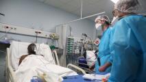 Expertos advierten por posible cuarta ola de contagios de coronavirus provocada por el surgimiento de variantes
