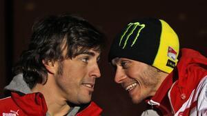 Fernando Alonso invita a Valentino Rossi a correr las 24 Horas de Le Mans